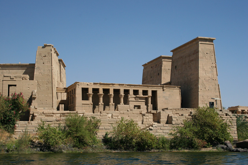 temple_of_isis river nile