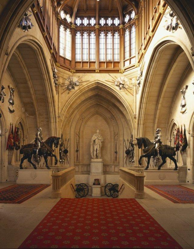 Inside-Windsor-Castle-Grand-Staircase-Windsor