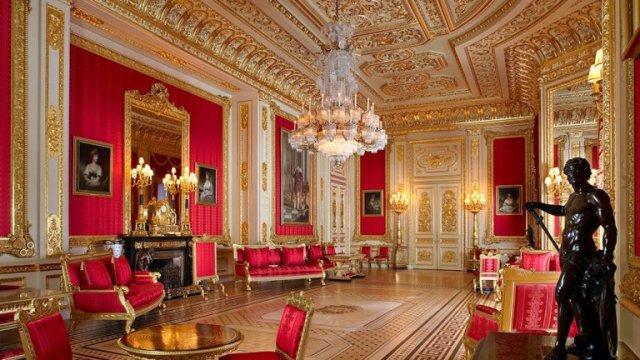 Inside-Windsor-Castle-The-Crimson-Room