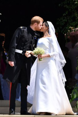 meghan-markle-dress-today-180519-inline2_b5578bb93108cd6dbf635b39f3c53cd6.fit-560w