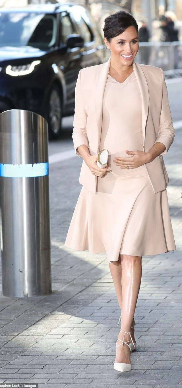 meghan at national theatre2