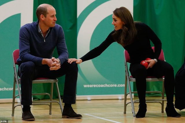 6081230-6781449-The_Duke_and_Duchess_of_Cambridge_at_Coach_Core_Basildon_last_mo-a-16_1551961195077