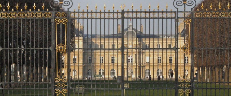 2621_Luxembourg-Gardens-Palace1-960x400