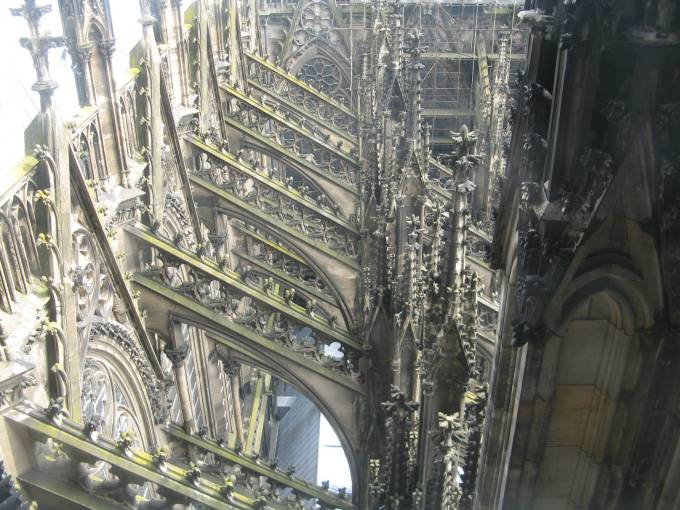 cologne-cathedral-buttresses