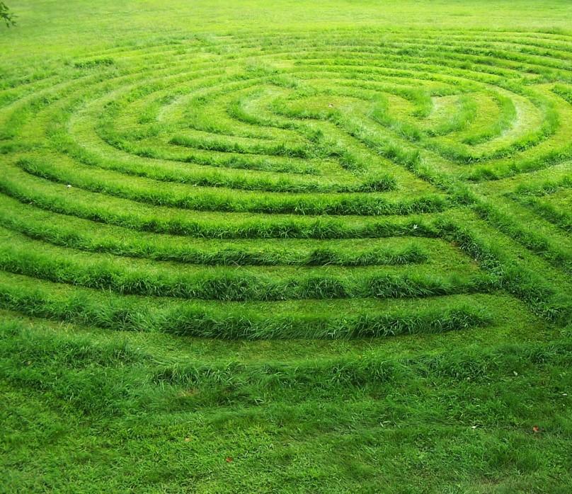 grass-labyrinth2
